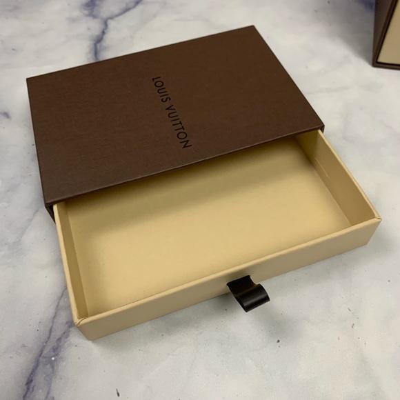 Louis Vuitton Other - LOUIS VUITTON empty box